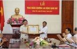 Trao Huân chương Lao động hạng Nhì tặng Phó Chủ tịch Thường trực UBND tỉnh Hưng Yên Nguyễn Xuân Thơi
