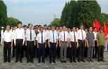 Dâng hương, dâng hoa tưởng niệm Chủ tịch Hồ Chí Minh, Tổng Bí thư Nguyễn Văn Linh và các anh hùng liệt sỹ