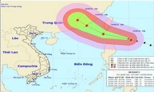 Siêu bão có sức gió giật cấp 17 đang tiến gần Biển Đông