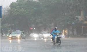 Mưa dông diện rộng trên khắp cả nước, đề phòng tố lốc, mưa đá