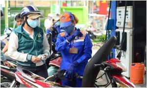 Giá xăng dầu giảm đúng đêm Giao thừa 2019